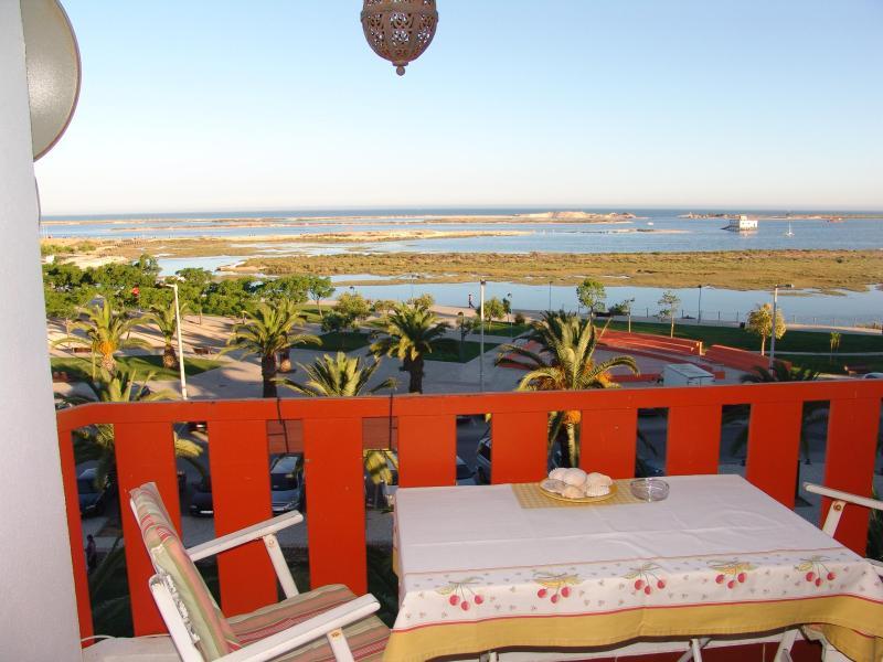 Fuzeta - 1 bdr apartment - stunning sea view - Image 1 - Fuzeta - rentals