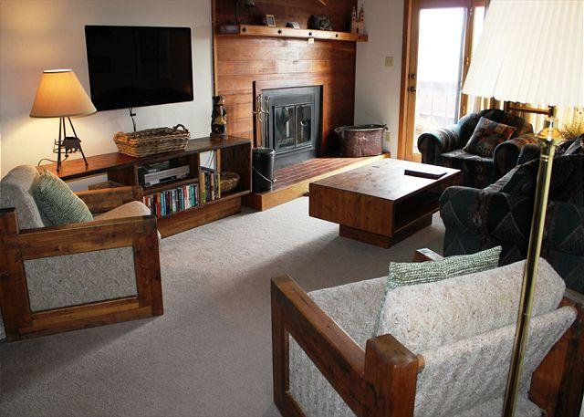 SS501 Nice Condo w/Fireplace, Clubhouse, Wifi - Image 1 - Silverthorne - rentals
