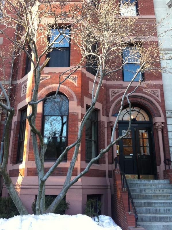 Commonwealth Ave Building - Beautiful Back Bay Duplex Condo - Boston - rentals