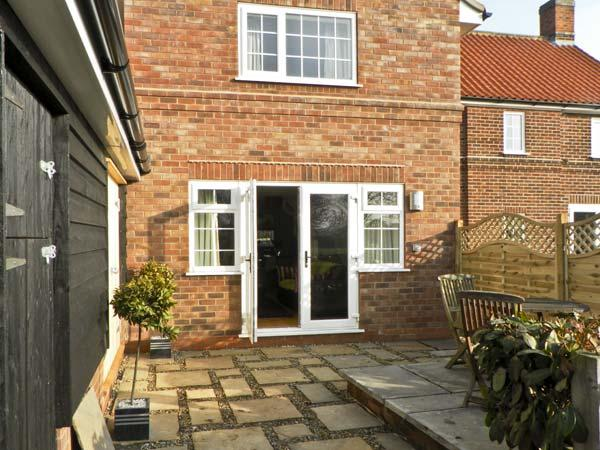 GROVE COTTAGE, family friendly, country holiday cottage, with hot tub in Malton, Ref 4543 - Image 1 - Malton - rentals