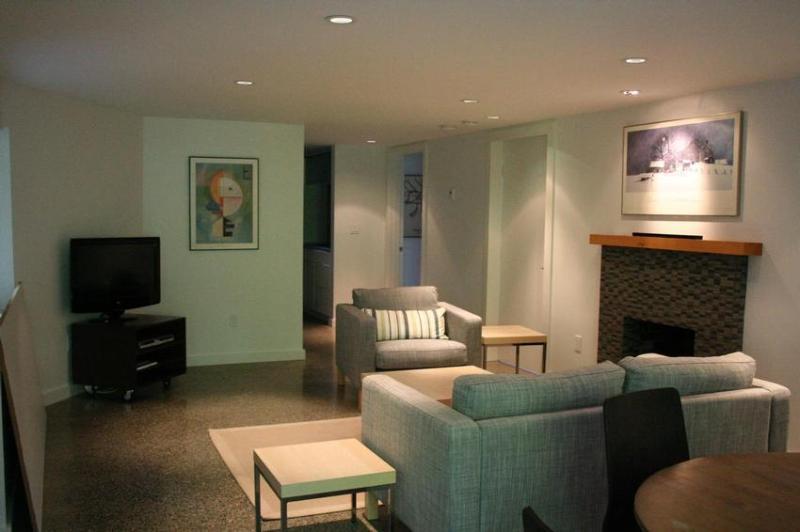 Lawson Creek Garden Suite - Image 1 - West Vancouver - rentals