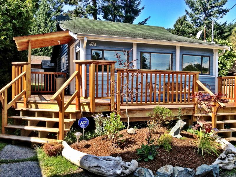 Suncoast Cottage - Sunshine Coast Cottage = Amazing Gibsons Location! - Gibsons - rentals