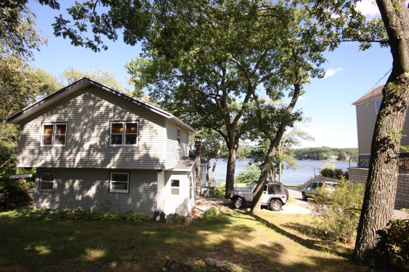 Looking at housr from street - Private Lake Front House in Wisconsin Dells - Lake Delton - rentals