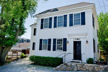 HILL HOUSE ON SPRING STREET: IN-TOWN LUXURY WITH WATER VIEWS - VH RADA-12 - Image 1 - Vineyard Haven - rentals