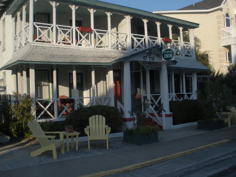 17TH STREET INN - UNIQUE INN AT THE BEACH - WE DO NOT SERVE BREAKFAST - 17th Street Inn-A Unique Inn at the Beach on Tybee - Tybee Island - rentals