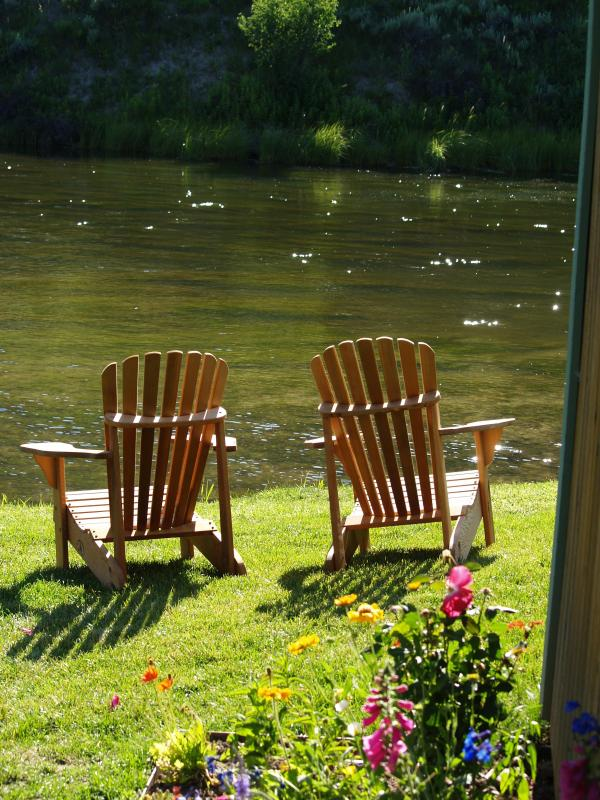 Guests can enjoy the peaceful serenity of Flat Creek. - 2 Bedroom Cottages in  the Town of Jackson Hole - Jackson - rentals