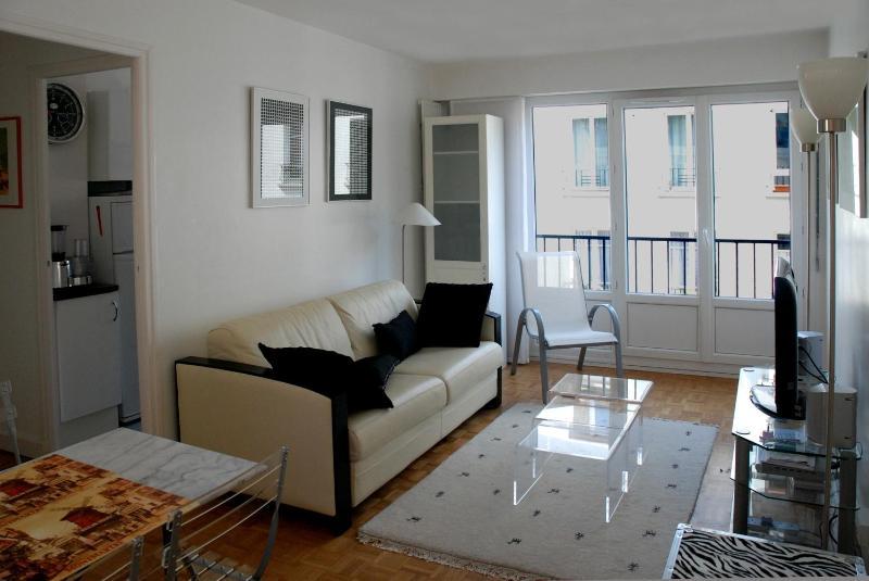 lounge - 1 Bedroom Flat in Montmartre, Paris - Paris - rentals