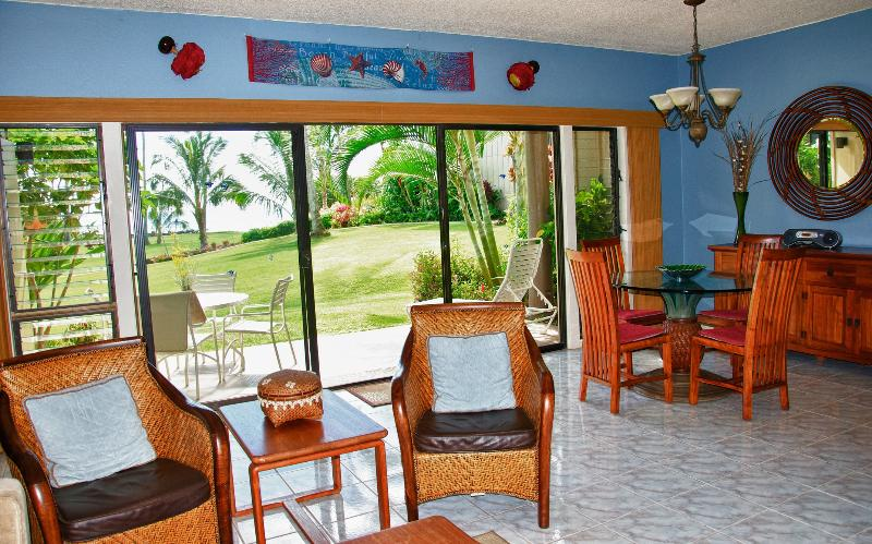 Living area with dining area - May discount, Ground floor, beachfront, - Kapaa - rentals