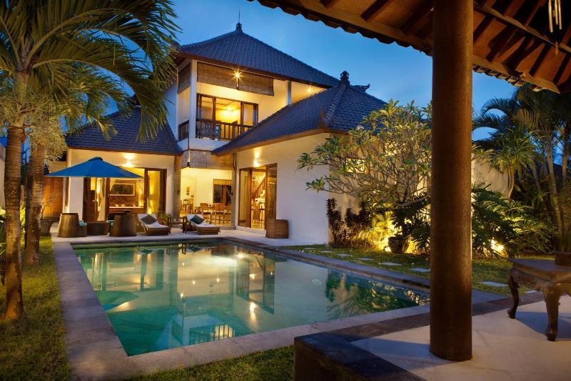 Exterior 1 - Villa Kahlua - a haven in trendy Seminyak - Seminyak - rentals
