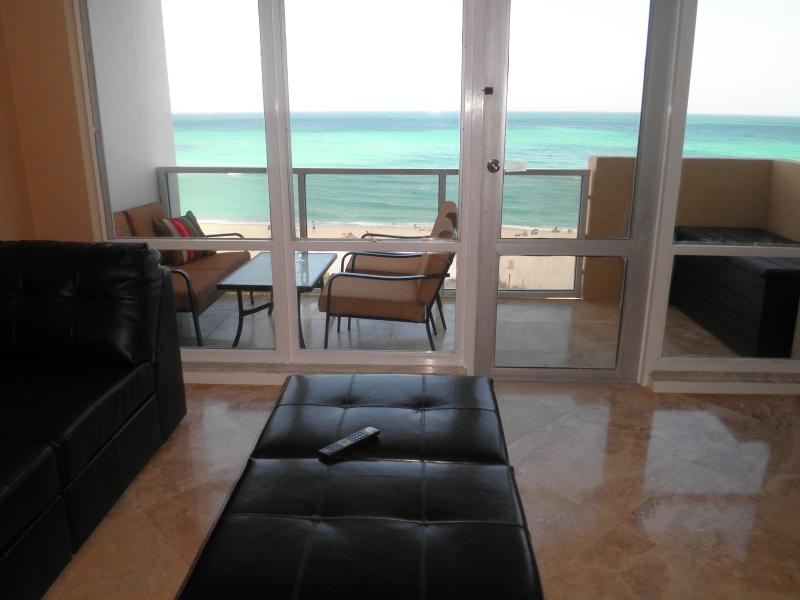Luxury 2 Bedroom  Miami Beach  Direct ocean view - Image 1 - Miami Beach - rentals