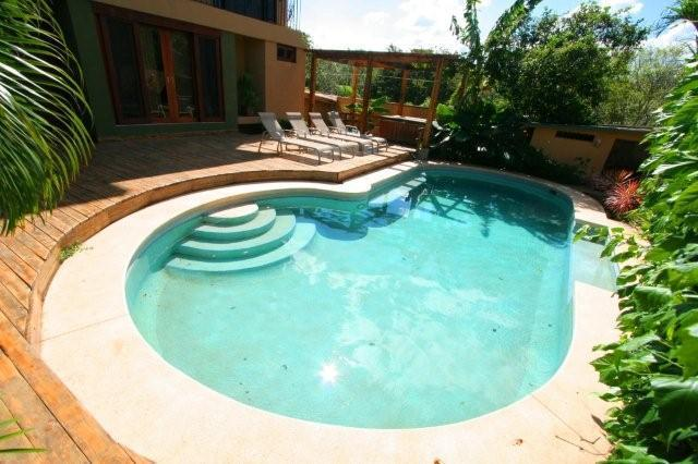 Our beautiful swimming pool - Just 1 block from the beach! Tamarindo's best deal - Tamarindo - rentals