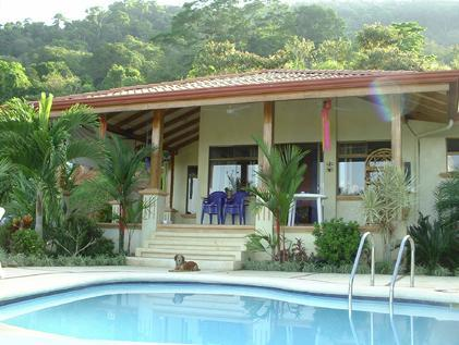 Front of casa - CASA DE CINEMA - overlooking Pacific Ocean - Dominical - rentals