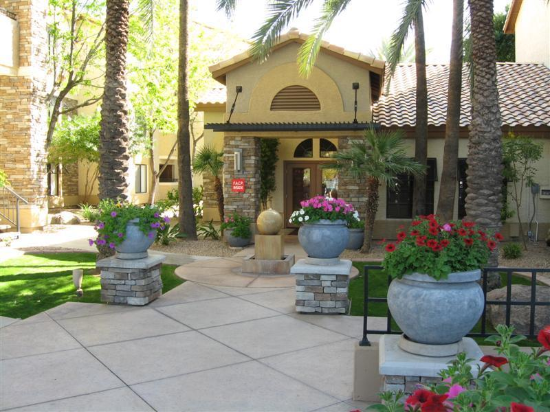 Front of complex - Resort Style Furnished Condo - min. stay is 3 mos. - Phoenix - rentals