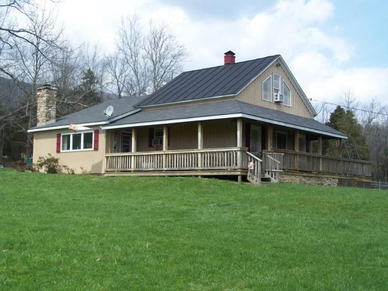Lazy J Lodge - Lexington, Virginia - Image 1 - Lexington - rentals