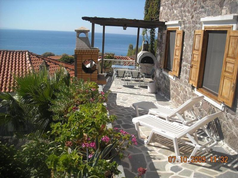 terrace - Central Molyvos apartment with panoramic views. - Molyvos - rentals