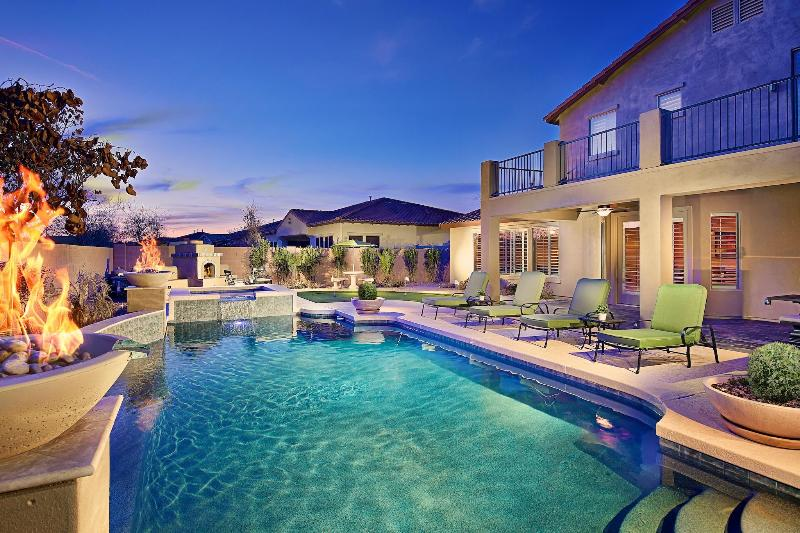 Resort Style Backyard with  Heated Pool and Spa! - Great Location! Large Pool! Hot Tub! & More! - Cave Creek - rentals