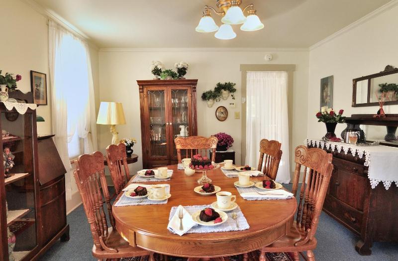 Dining Room - Virginia's House - Bellefonte - rentals