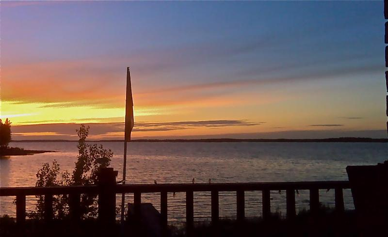 View of georgian bay sunset - Harbour Sunsets  on Georgian Bay - Victoria Harbour - rentals
