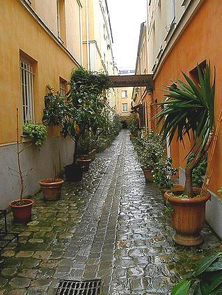 Gorgeous latin quarter flat  1 BR, 1 BA in Paris-R - Image 1 - Paris - rentals