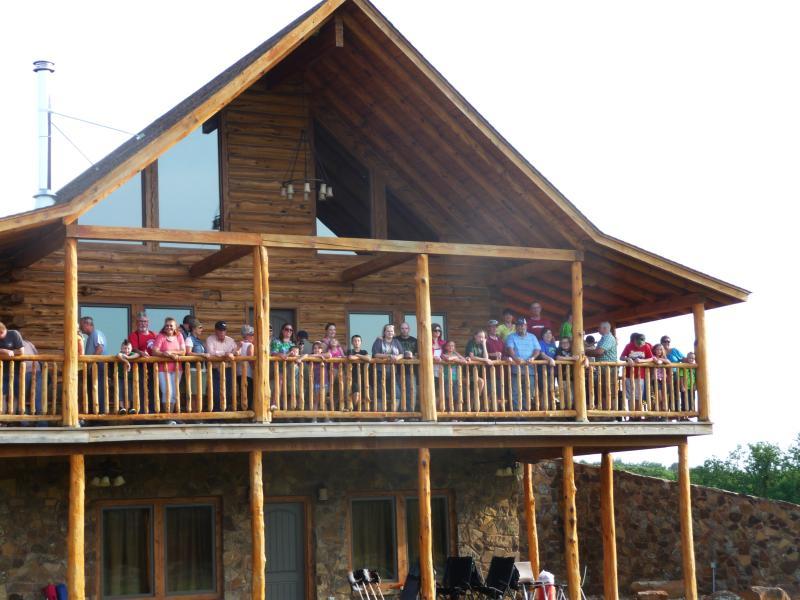 Company Picnic - Gloss Mountain Outfitters - Waynoka - rentals