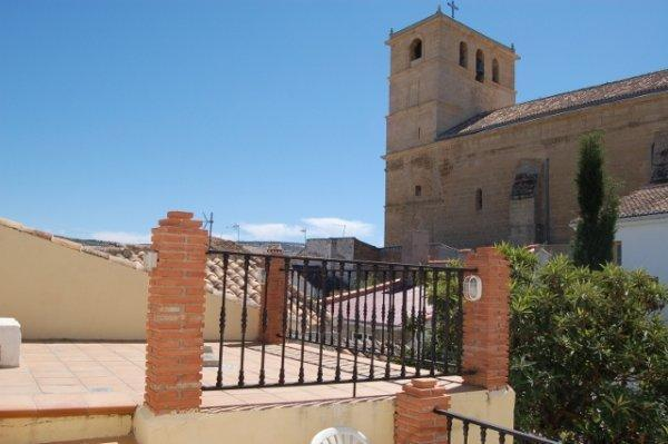 Sunny roof terrace with views to the parish church - Spacious, Townhouse in the Old Part of Alhama - Alhama de Granada - rentals