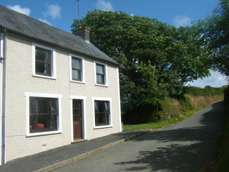 Pet Friendly Holiday Home - Granston House, Nr Abermawr - Image 1 - Pembrokeshire - rentals