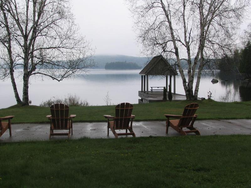 Great lake viewing - Executive 4 bedroom 4 Acres lakefront in MUSKOKA - Lake of Bays - rentals