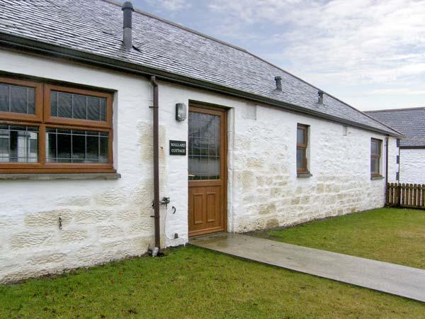 MALLARD COTTAGE, pet friendly, country holiday cottage, with a garden in Lockerbie, Ref 5285 - Image 1 - Lockerbie - rentals