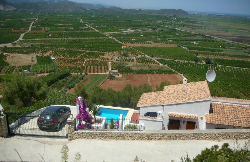 Villa and surrounding views - 3 bedroom villa in the Spanish region of Denia - Denia - rentals