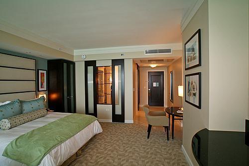 Bdrm - Fontainebleau Hotel Sorrento Jr Suite Ocean View - Miami Beach - rentals