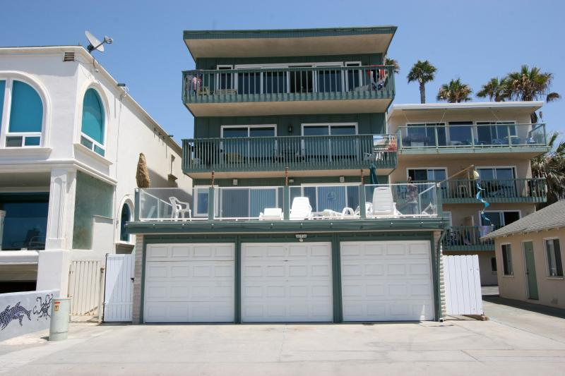This is a view of our building from the sand. - Cottage Window Oceanside furnished sweet 1 bdrm - Oceanside - rentals