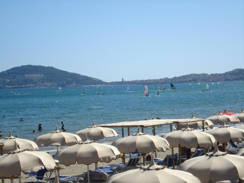 Vindicio beach with windsurfs - Formia - beach front! Holiday house 7-11 sleeps - Formia - rentals