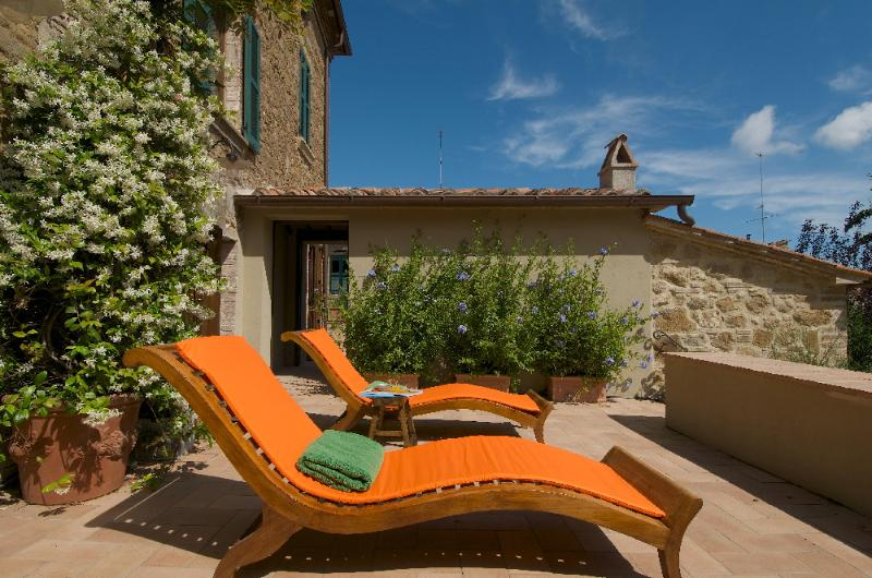 Sophisticated Villa in a Village in Southern Tuscany - Residenza Orcia - Image 1 - Castelmuzio - rentals