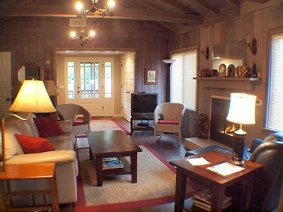 Idle Hours, Lovingly Remodeled Cabin with Original Charm - Idle Hours - Guerneville - rentals
