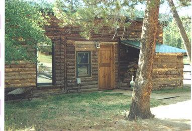 Exterior of Bunkhouse - Classic 2 Bdrm Vacation Cabin On The Lake - Grand Lake - rentals