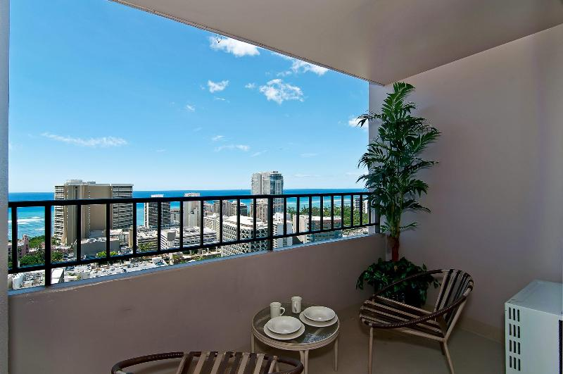 Ocean View - Ocean View Condo Full Kitchen and Free Parking - Honolulu - rentals
