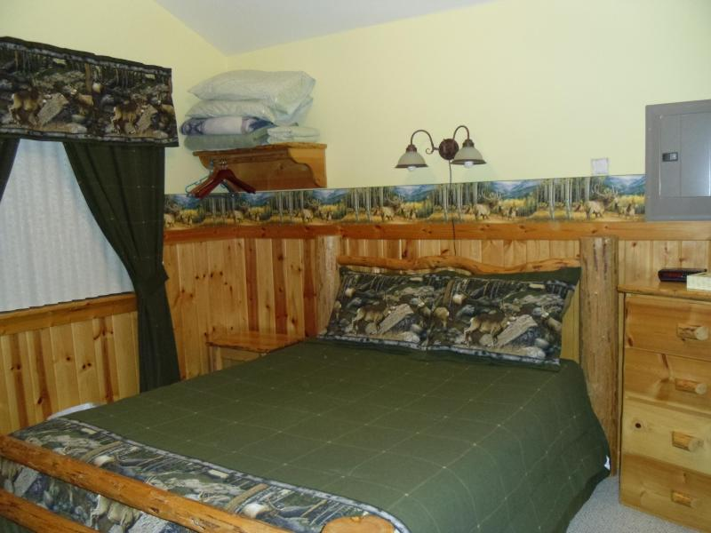 Rocky Mountain Cabin - Fully furnished cabins near Glacier National Park - West Glacier - rentals
