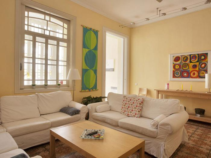 Beautiful St Joan 4 with terrace - Image 1 - Barcelona - rentals