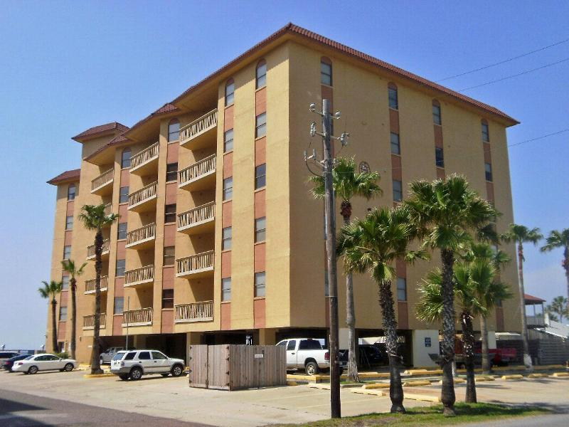Galleon Bay condominiums - Galleon Bay - Bayfront condo with boat slips - South Padre Island - rentals
