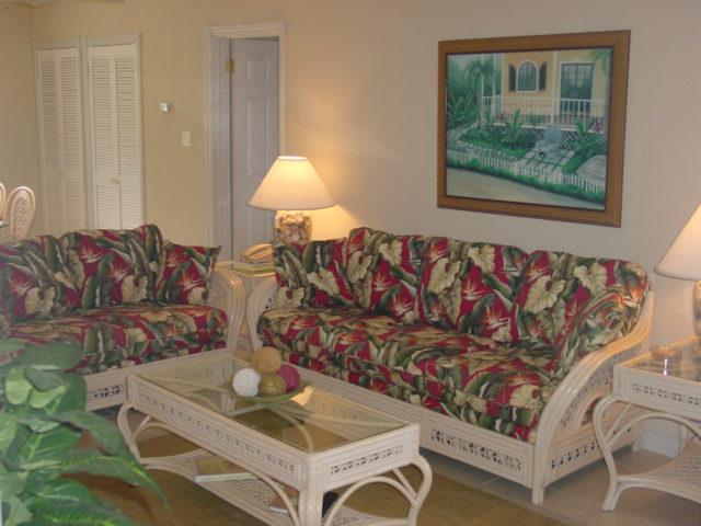 Livingroom in Tropical Theme - Cayman Conch Quest Beachfront Condo in Rum Point - Grand Cayman - rentals