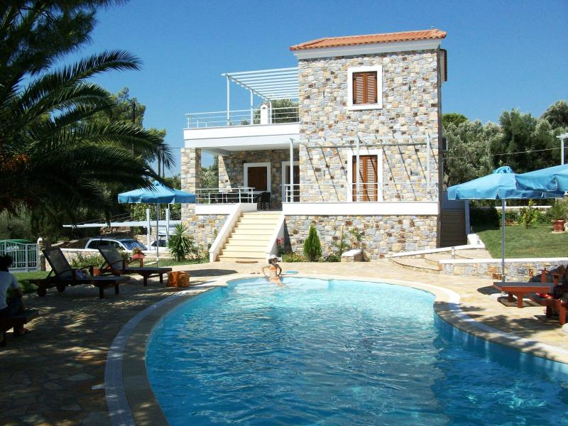 Fairy Outdoor, Garden and swimming Pool with Sunbeds and Umbrellas - Sellados Beach Villas - Plomari - rentals