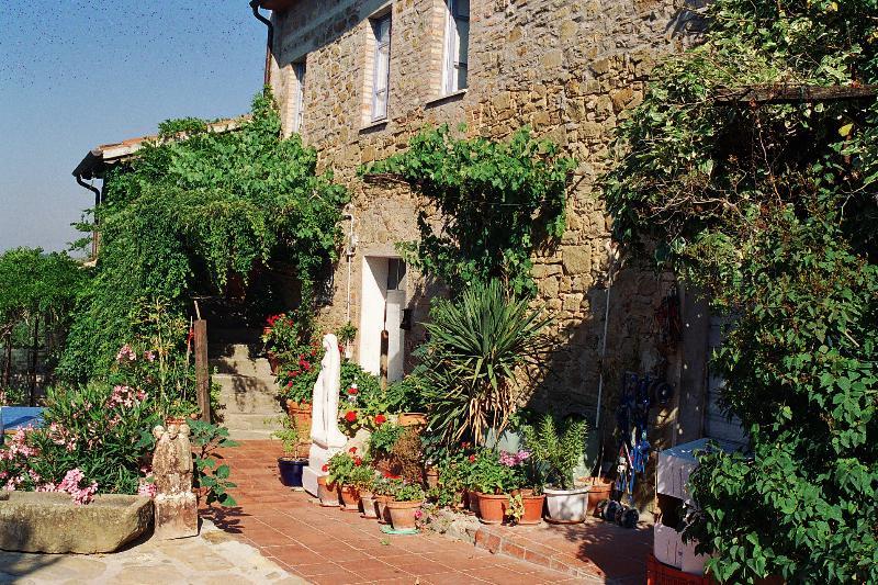 Countryhouse Villa La Rogaia Umbria, Lake Trasimeno - 2 bedroom apartment in Villa at Lake Trasimeno - Castel Rigone - rentals