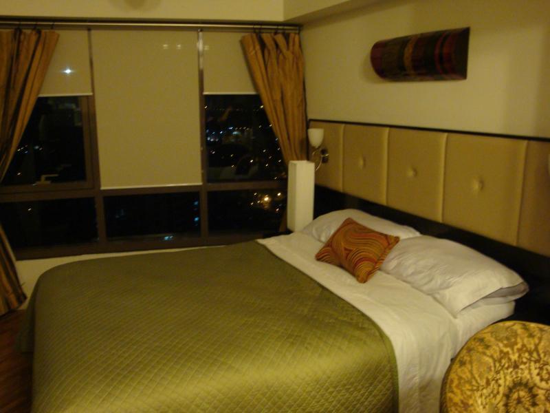 Elegantly-appointed Studio at Rockwell Joya Makati - Image 1 - Makati - rentals
