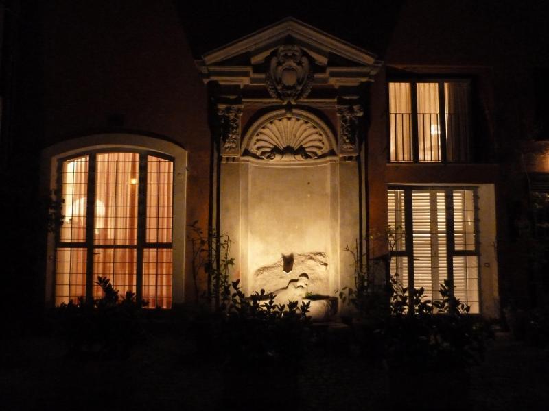 The Orsetto entrance at night - Orsetto quiet roomy sunny, 150m to Pza Navona - Rome - rentals