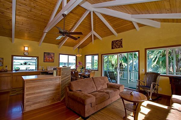 The Light Filled Great Room - Jade Lily-RECOMMENDED BY LONELY PLANET! - Kilauea - rentals