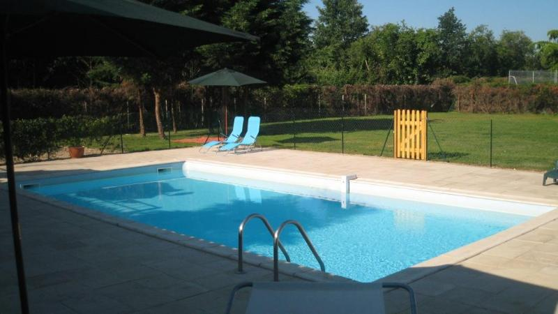 Private pool and garden - Spacious villa with private pool and tennis court - Port Sainte Foy et Ponchapt - rentals