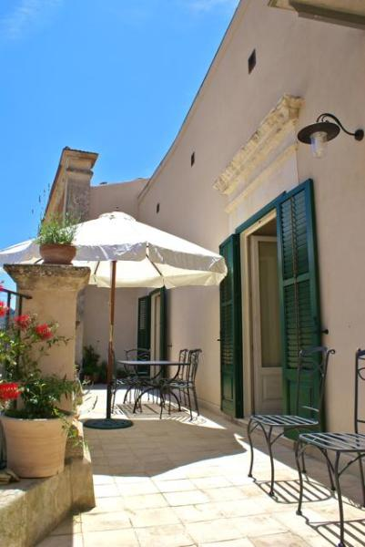 The terrazza - sunny in the morning cool in the afternoon - 3-bedroom Luxury Home in South-East Sicily, Modica - Modica - rentals
