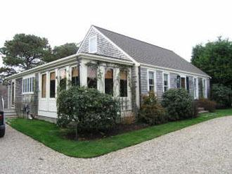 4 Bedroom 2 Bathroom Vacation Rental in Nantucket that sleeps 8 -(9943) - Image 1 - Nantucket - rentals
