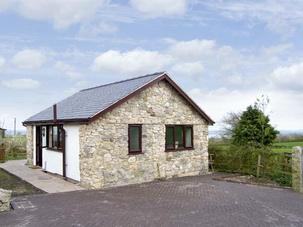 DOLPHIN BACH, pet friendly, country holiday cottage, with open fire in Dolphin Near Mold, Ref 5074 - Image 1 - Dolphin - rentals