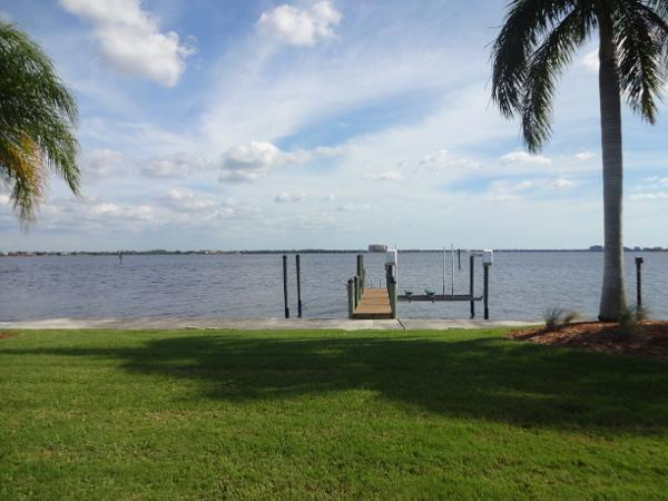 River view - Riverfront house with pool in Cape Coral - Cape Coral - rentals